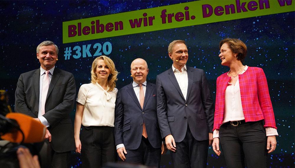 """""""Bleiben wir frei. Denken wir groß"""". Die FDP stimmt sich beim traditionellen Dreikönigstreffen auf das neue Jahrzehnt ein."""