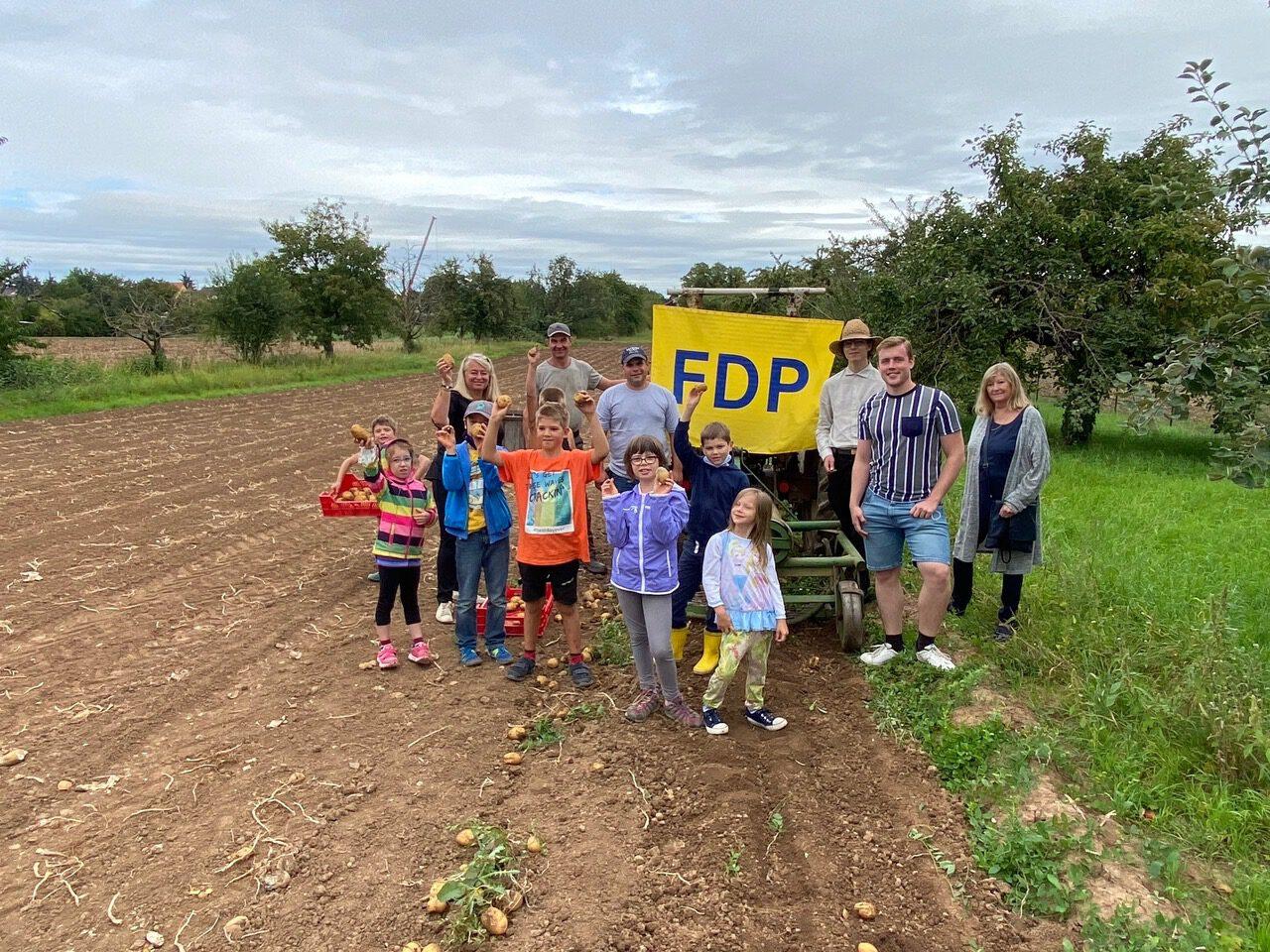 """""""Natur pur-mit der FDP durch Feld und Flur""""."""
